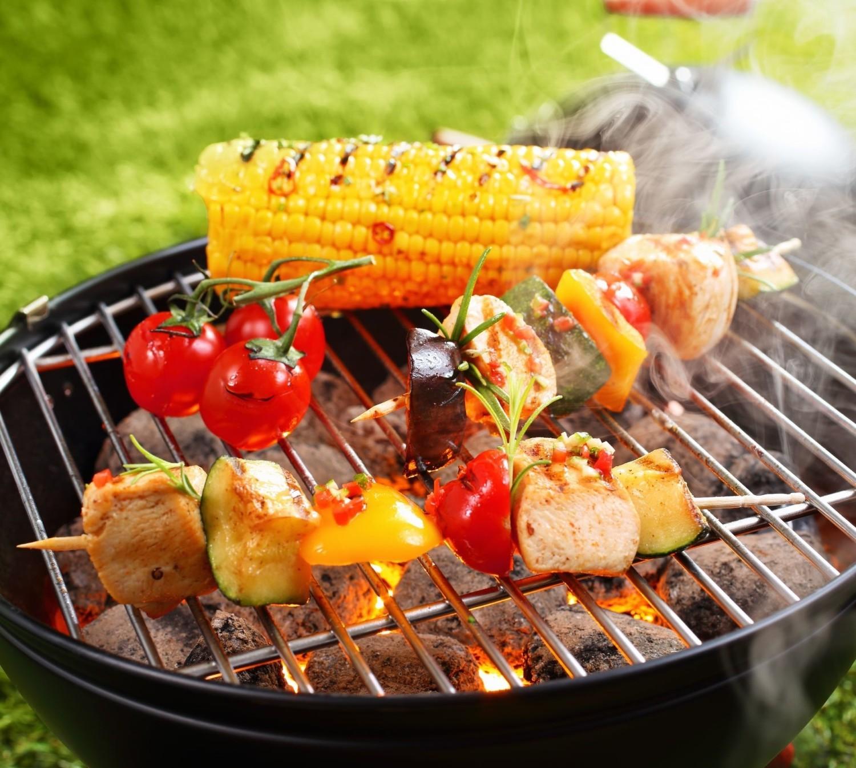 Zdrowszy grill – 10 patentów na lepsze dania z rusztu