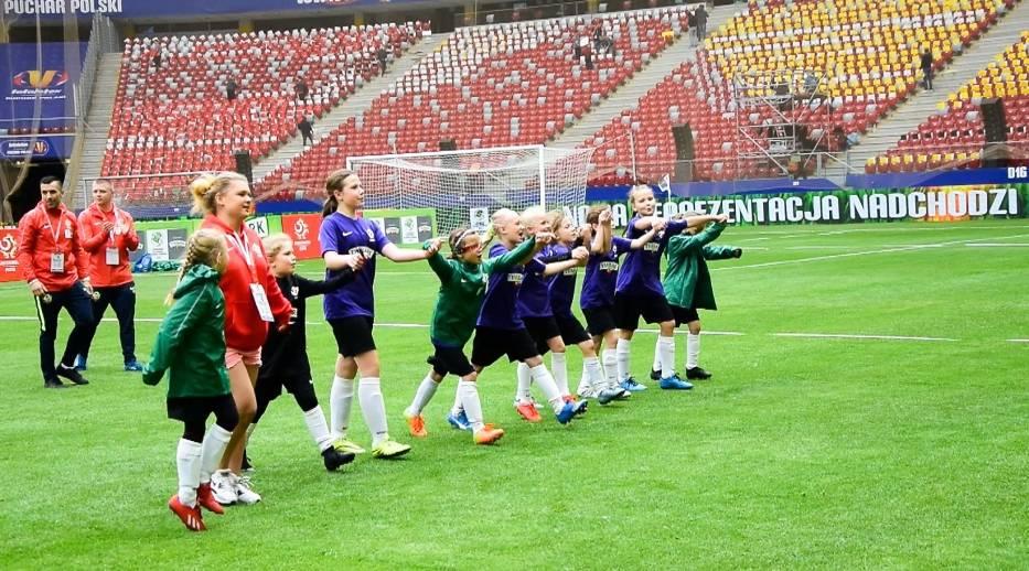 Na PGE Narodowym poznaliśmy cztery zwycięskie drużyny (kategorie dziewczynek i chłopców w do lat 10 i 12) 19