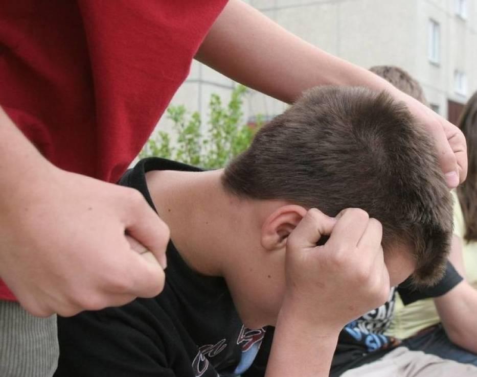 Chłopiec, który sprawia problemy wychowawcze pozostanie w szkole pod opieką m