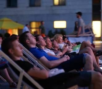 Lato w Krakowie sprzyja miłośnikom kina. Gdzie się wybrać?