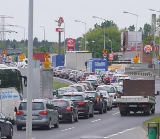 Gigantyczne korki paraliżują Poznań