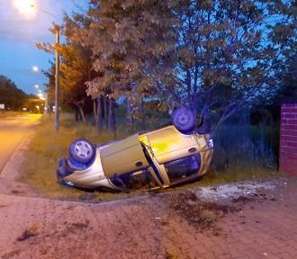 Pijany kierowca dachował w Czerwionce-Leszczynach. Nikt nie chciał przyznać się do prowadzenia