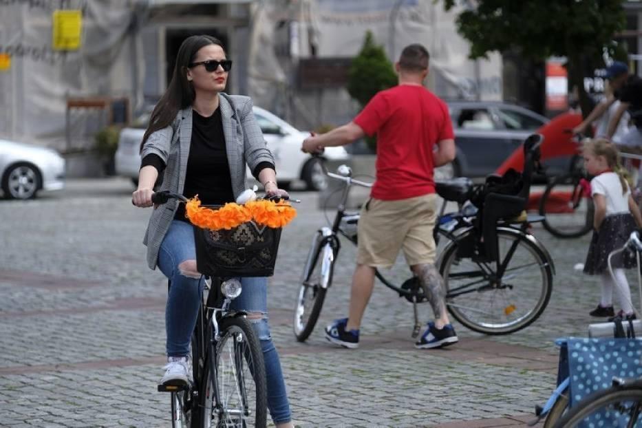 Rowerowa Masa Krytyczna to cykliczna impreza, w której uczestnicy przemierzają trasę przez Toruń, oczywiście rowerami
