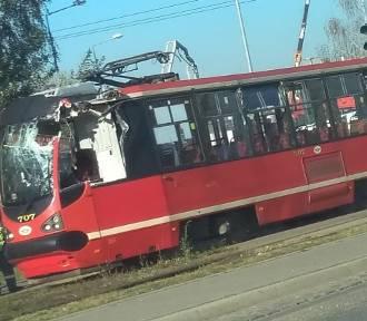 Bytom: Zniszczony tramwaj na Stroszku [ZDJĘCIA]. To była kolizja z... dźwigiem
