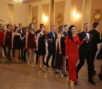 Studniówka 2016 uczniów Technikum Gastronomiczno-Hotelarskiego z Sosnowca [ZDJĘCIA, WIDEO]