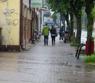 Powiat zduńskowolski. Ostrzeżenie przed silnym deszczem, gradem i burzami ZDJĘCIA