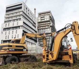 Rekordowa liczba nowych mieszkań w budowie. A i tak budowlanka od pół roku ma kłopoty