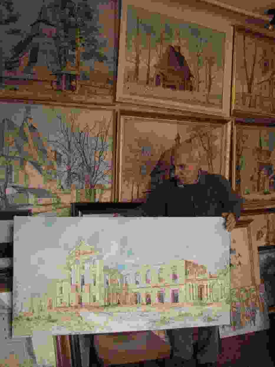 Tadeusz Puszczewicz z jednym z obrazów z nowego cyklu