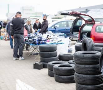 Giełdy samochodowe w Wielkopolsce. Sprawdź, gdzie kupisz części samochodowe i auta