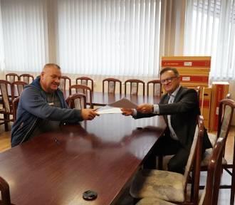 Podpisano umowę na modernizację drogi w Brzezinach