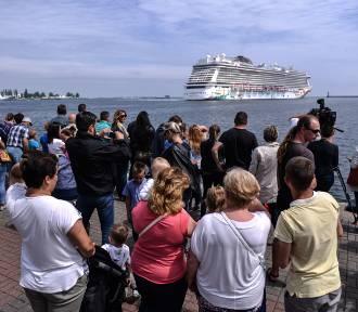 Największy wycieczkowiec w polskim porcie. Norwegian Getaway w Gdyni [zdjęcia, wideo]