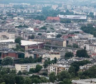 Mieszkania budują na terenach usługowych. Radni szukają sposobu na luki w przepisach