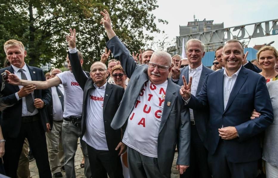 """Lech Wałęsa ma problemy finansowe? """"Nie będę prosił, nie będę żebrał""""U Wojewódzkiego Lech Wałęsa ubolewał nad swoją sytuacją materialną"""
