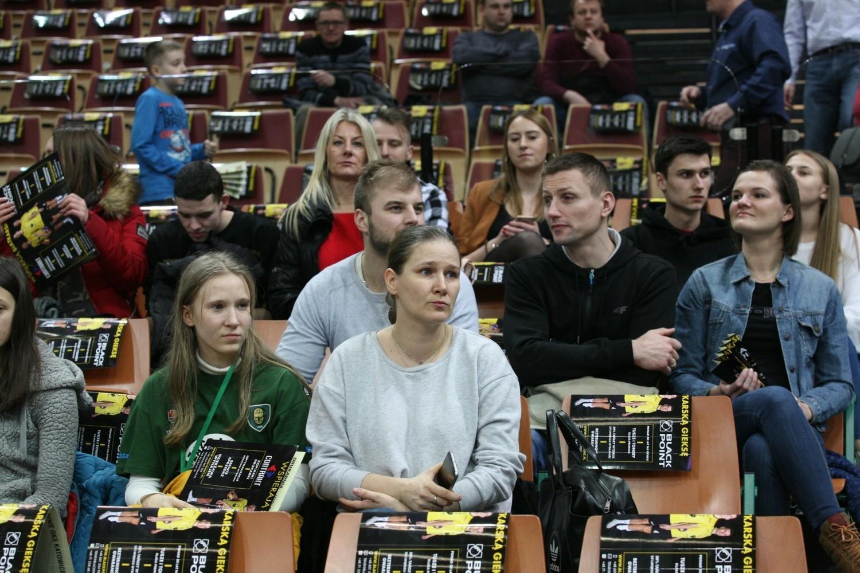 Kibice w Spodku nie zawiedli, dopingowali siatkarzy GieKSy w meczu z wiceliderem PlusLigi