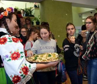 """Forum """"Ratując pszczoły - ratujesz ludzkość"""" w szkole rolniczej w Zduńskiej Dąbrowie [ZDJĘCIA]"""