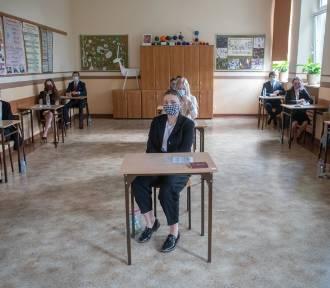 Uczniowie muszą mieć maski podczas egzaminu ósmoklasisty?