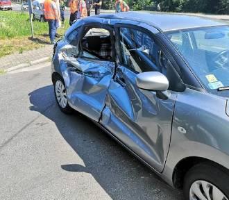 Pociąg zderzył się z autem na przejeździe w Koninie