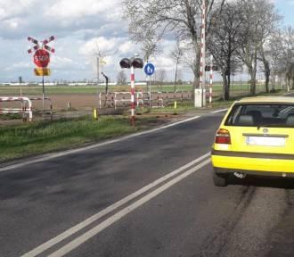 Niebezpieczne zderzenie dwóch samochodów na krajówce