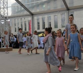 Kraków. Urszula Grabowska, Renata Przemyk i inni w charytatywnym pokazie Fashion Square [ZDJĘCIA]