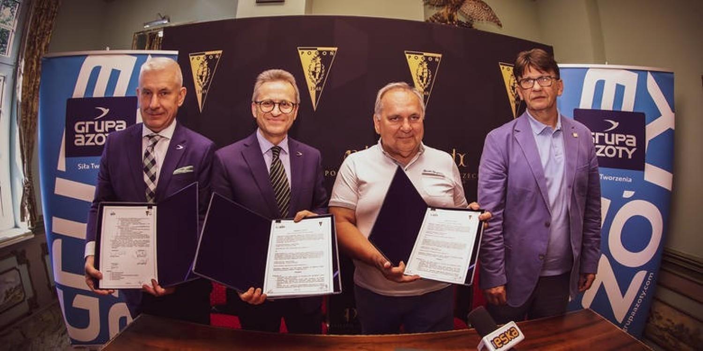 PARTNERZY POGONI- My w dużym stopniu funkcjonujemy dzięki dwóm naszych dużym partnerom, czyli Miastu i Grupie Azoty - dodaje prezes Mroczek