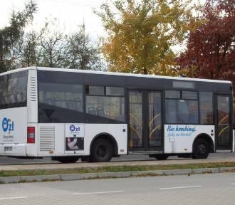 Kolizja z udziałem autobusu w Żorach. Podróżowały w nim cztery osoby