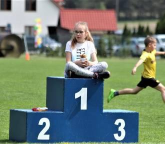 Bieg charytatywny z udziałem dzieci dla Wojtka Cetery w Tarnówce [ZDJĘCIA]
