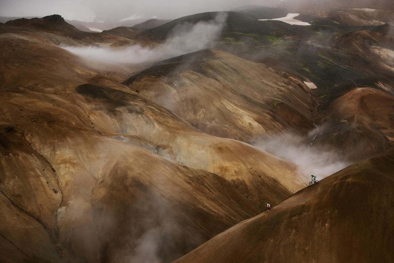 Jeździli po dzikiej Islandii na rowerach. Zobaczcie zapierające dech w piersiach zdjęcia