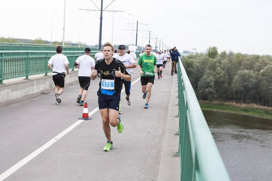 Bieg przez Most 2016. Wygraj pakiety na bieg najmłodszym mostem Warszawy! [KONKURS]