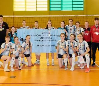 Juniorki GKS Wieżyca 2011 Stężyca mistrzyniami województwa pomorskiego 2020/2021!
