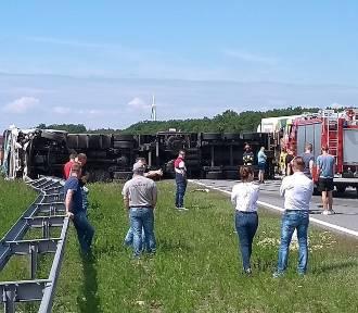 Wypadek na autostradzie A1 w kierunku Gdańska. Droga zablokowana!