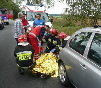 Wypadek w okolicach Liwy. Dachował samochód [ZDJĘCIA]