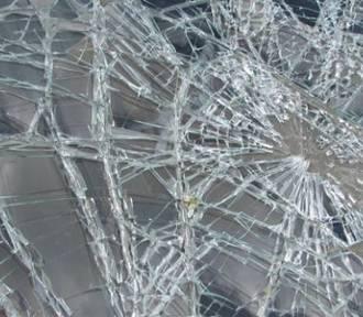 Wypadek na drodze Pałck - Kije. Nieprzytomna kobieta zabrana do szpitala