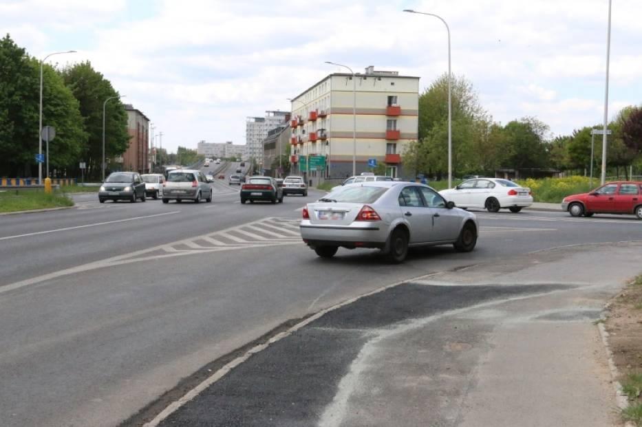 Skrzyżowanie ulicy Luboszyckiej z Nysy Łużyckiej oraz rondo na  placu Konstytucji 3 Maja to miejsca gdzie notuje się największą liczbę wypadków i stłuczek w Opolu.