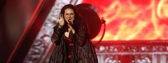 """Fani Within Temptation mogą szykować się na dwa koncerty, które odbędą się w Polsce. Holenderski zespół muzyczny zagra 26 października w Poznaniu, a dzień później w Warszawie.  Formacja powstała w 1996 roku z inicjatywy Roberta Westerholta i Sharon den Adel. Rok później ukazał się debiutancki album kapeli - ,,Enter"""" i tym samym zespół ruszył w pierwszą trasę koncertową po Europie. Kolejny krążek """"Mother Earth"""