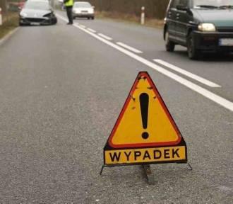Wypadek w gminie Łęczyce. Pasażerka volkswagena trafiła do szpitala