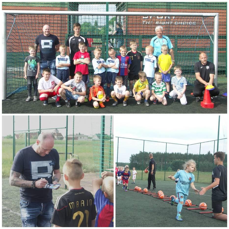 Piotr Reiss po raz pierwszy  odwiedził szkółkę piłkarską w Zdunach