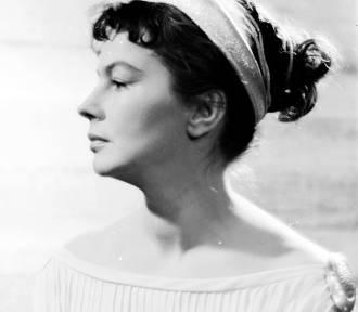 Wspominamy Danutę Szaflarską. Aktorka brylowała na deskach stołecznych teatrów [ZDJĘCIA]
