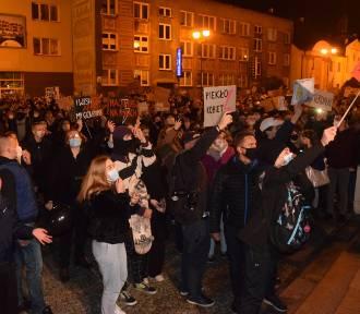 Czarny Spacer w Białymstoku. Zobaczcie, co działo się na ulicach!