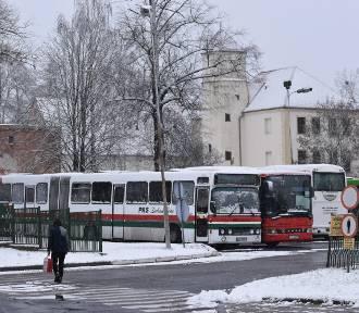 Szykuje się mroźny weekend. Śnieg w najbliższych dniach nie zniknie z Krosna i Gubina