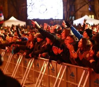 Nocny Kochanek i Wilki rockowo zagrali z Wielką Orkiestrą. Była moc! [ZDJĘCIA]