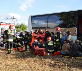 Wypadek w Łowiczu. Szesnaście osób rannych (Zdjęcia)