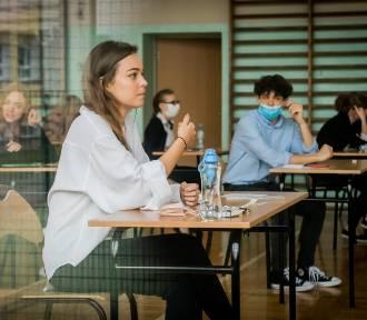 Egzamin maturalny z języka angielskiego w V LO w Bydgoszczy [zdjęcia]