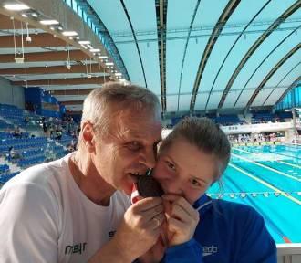 Pływanie. Mając 16 lat zdobyła swój pierwszy medal mistrzostw Polski seniorek