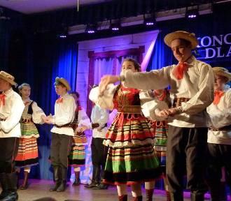 Koncert dla babci i dziadka w Powiatowym Centrum Kultury, Sportu i Rekreacji w Zduńskiej Woli [zdjęcia