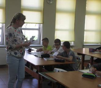 Zapadnięty strop w szkole podstawowej w Kobylinie!