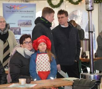 Na opolskim Rynku trwa konkurs kolęd i jarmark świąteczny