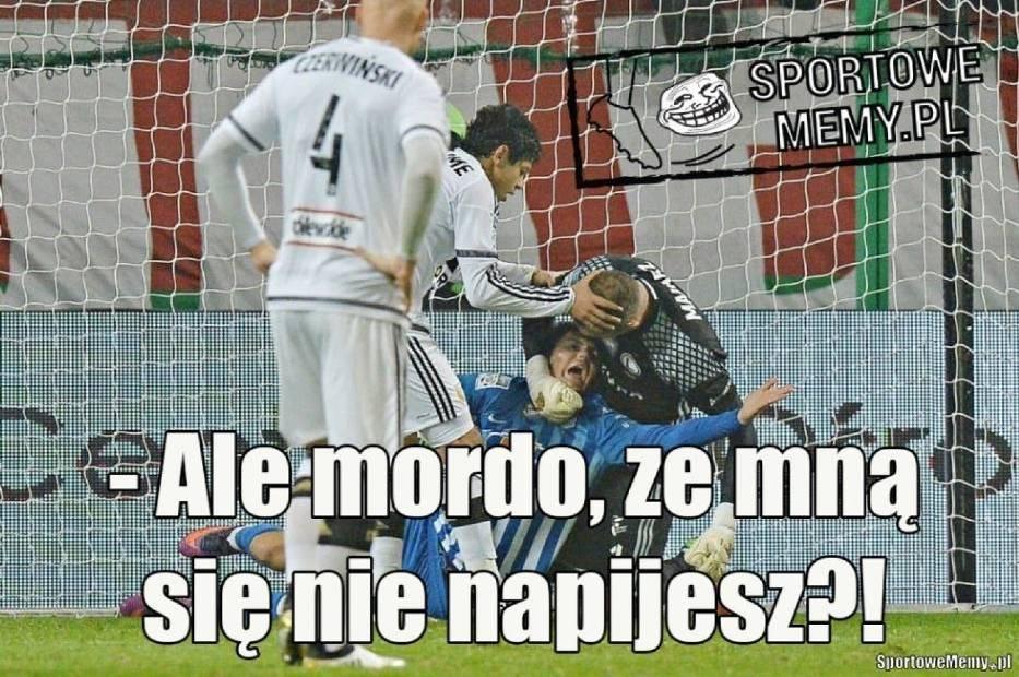 Legia Warszawa - Lech Poznań. Ten mecz może przesądzić o mistrzostwie. Internauci bezlitośni [MEMY]