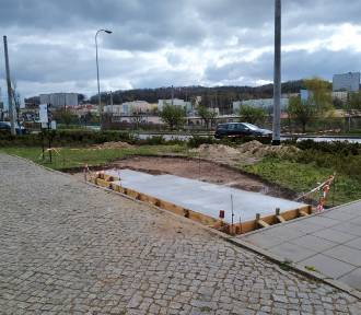 Trwa budowa parkingów dla rowerzystów w Gdyni ZDJĘCIA