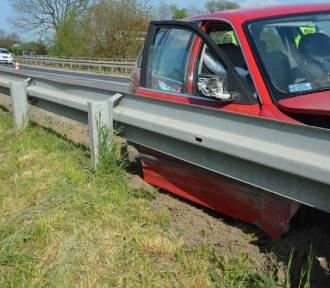 Pijany kierowca z powiatu jarosławskiego wjechał w barierę