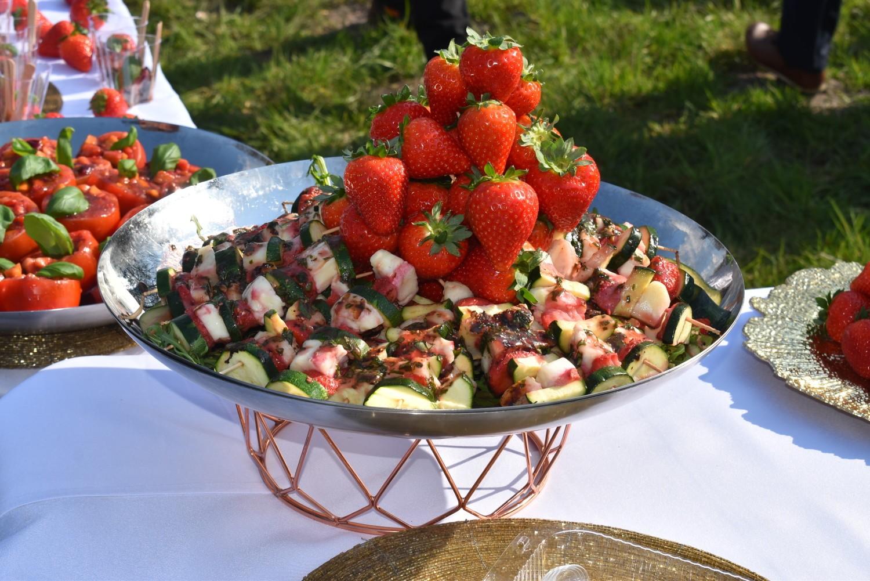 Otwarcie sezonu truskawkowego w Gołuchowie